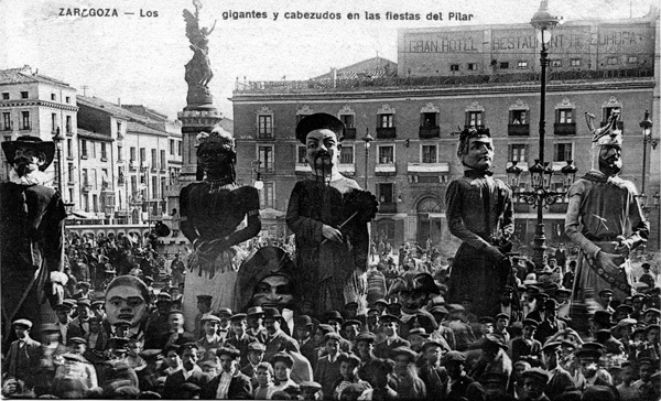 Postal de los gigantes de Zaragoza